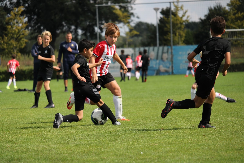 https://socceracademybreda.nl/wp-content/uploads/2020/10/IMG_2013.jpg