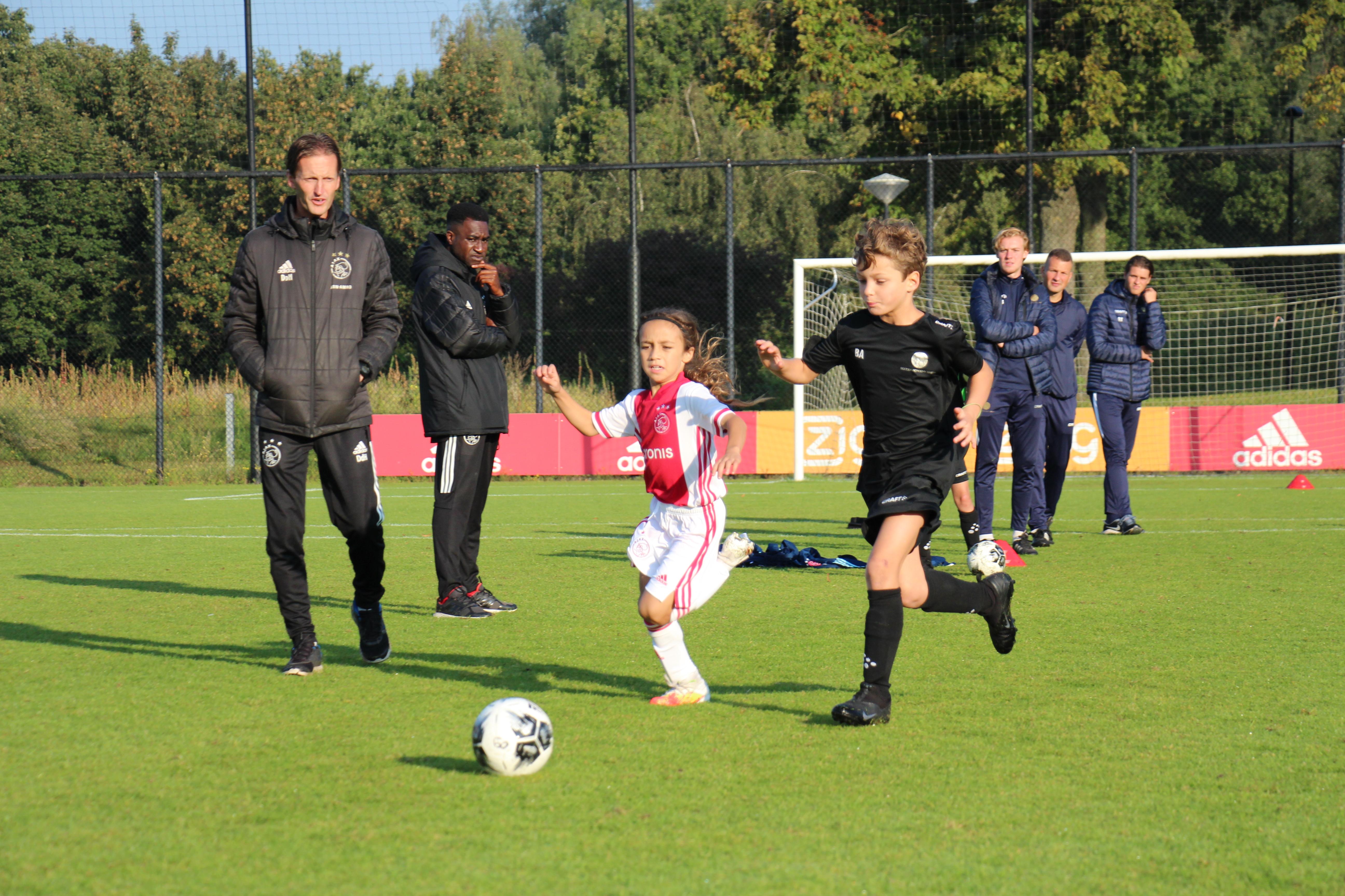 https://socceracademybreda.nl/wp-content/uploads/2020/10/IMG_7122.jpg