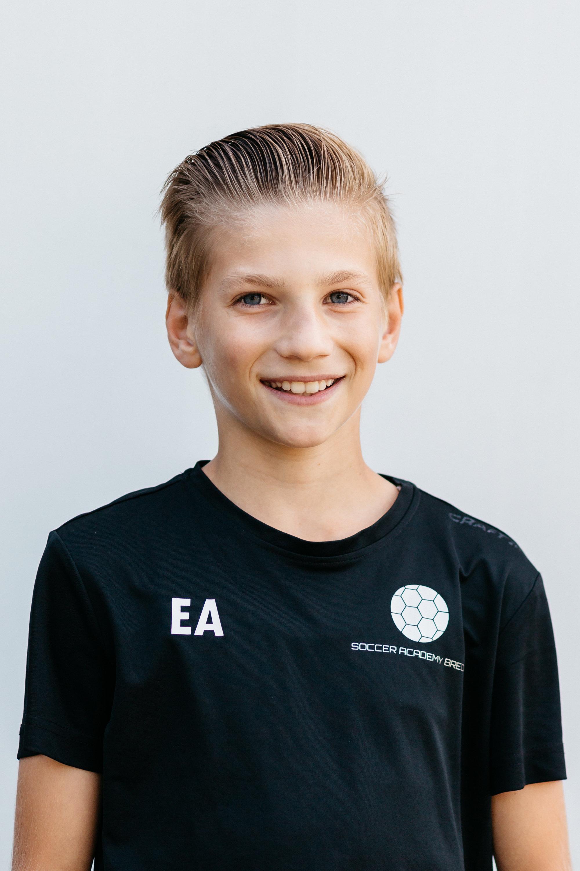 https://socceracademybreda.nl/wp-content/uploads/2020/10/eldar-a-teampagina.jpg
