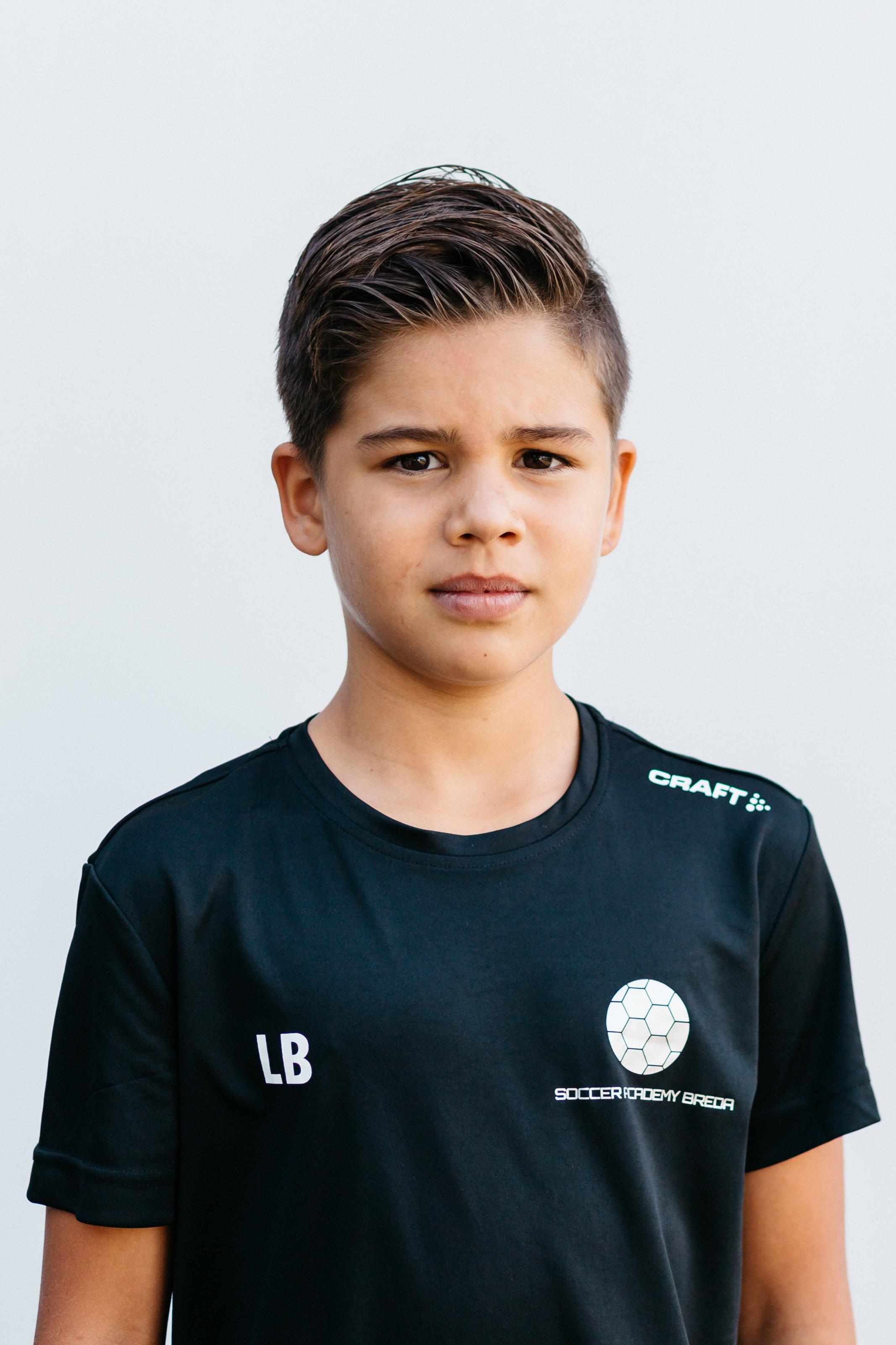 https://socceracademybreda.nl/wp-content/uploads/2020/10/less-benkino.jpg