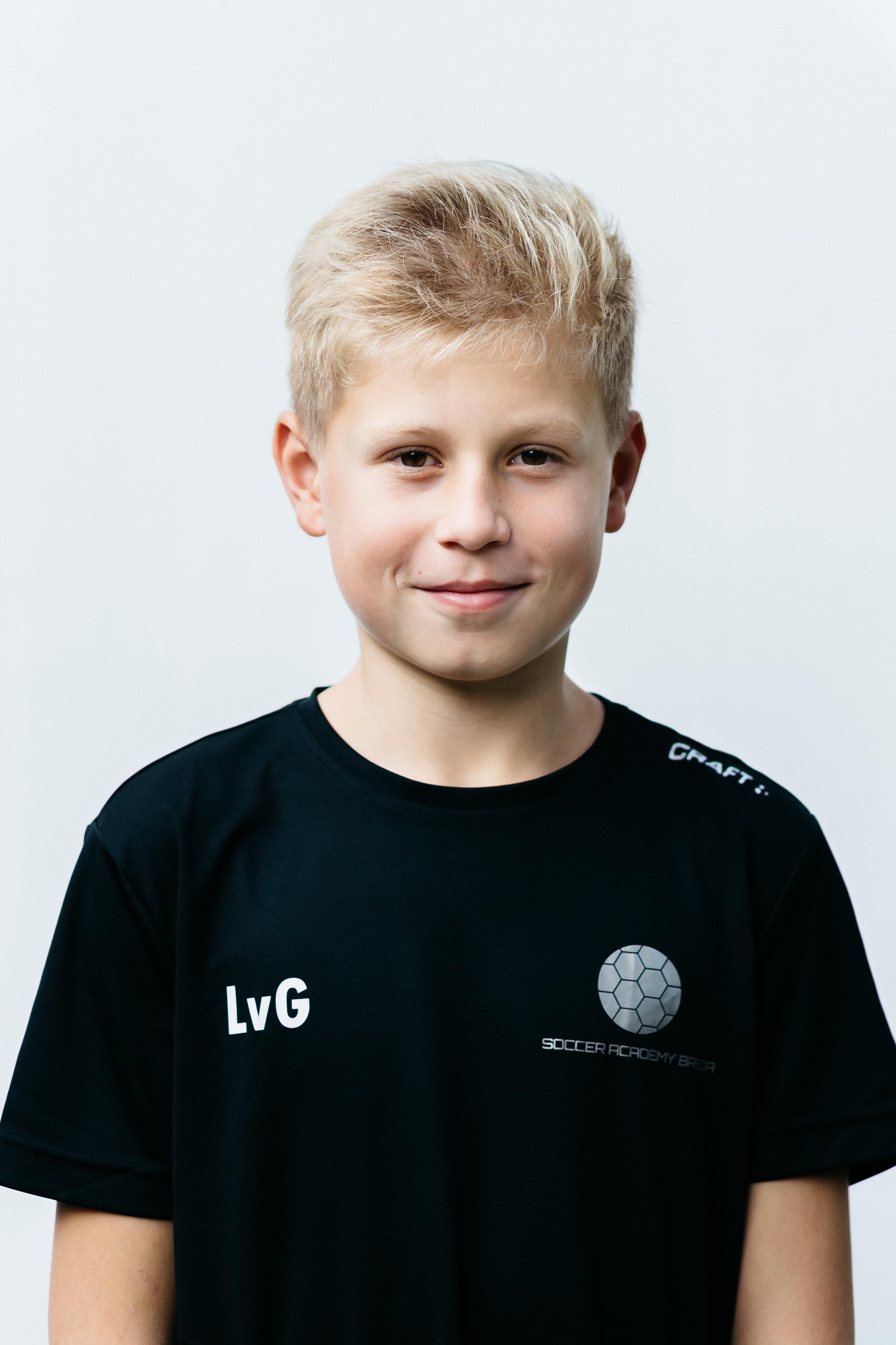 https://socceracademybreda.nl/wp-content/uploads/2020/10/luuk-van-gemert-teampagina.jpg